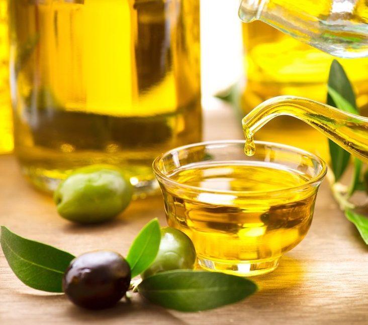 Cách chăm sóc da sau mụn băng mặt nạ dầu oliu