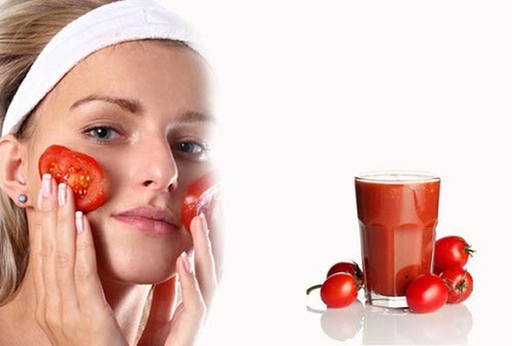 nên sử dụng nước ép cà chua trị mụn