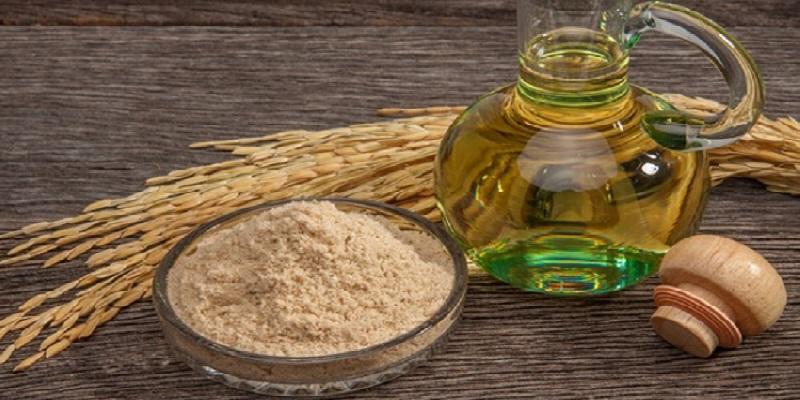 Bột cám gạo với dầu oliu