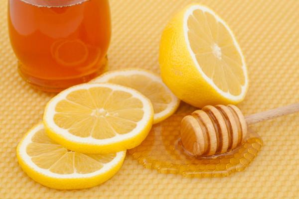 chanh mật ong trị thâm hiệu quả