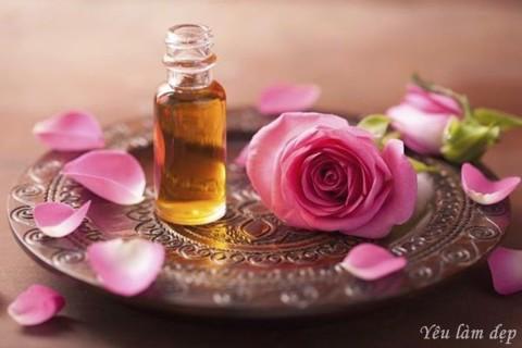 CHiết xuất từ tinh chất hoa hồng mang lại cảm giác thoải mái, dễ chịu
